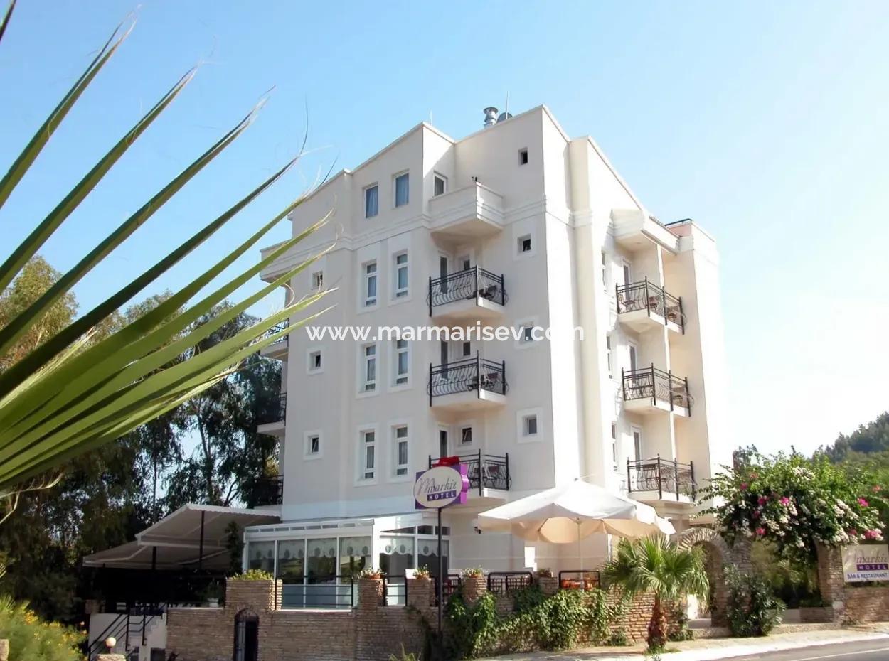 Marmaris Merkezinde Satılık 18 Oda Otel Denize Yakın