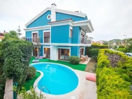 Marmaris Armutalan Mevkii Tam Müstakil Havuzlu 4 Oda 1 Salon Tripleks Villa Satılık