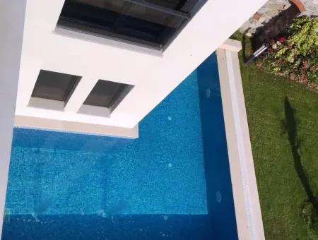 Marmaris İlçesi Beldibi Mahallesinde Satılık Müstakil Havuzlu 4 Oda 2 Salon 220 M2 Havuzlu Akıllı  Villa