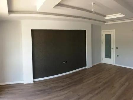 Marmaris Merkez Satılık Sıfır 2 Oda 1 Salon Lüks Kapalı Garajı Mevcut Daire 100M2